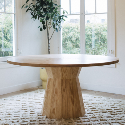 JUWEL PEDESTAL DINING TABLE