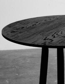 ORENN DINING TABLE