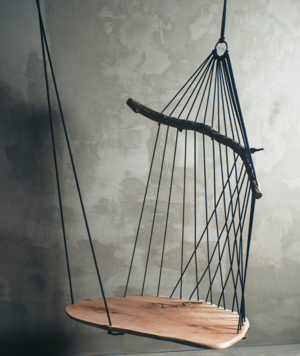 FLOATING DIVAN CHAIR