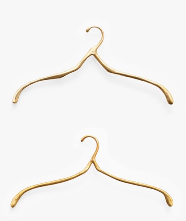 89 Hangers