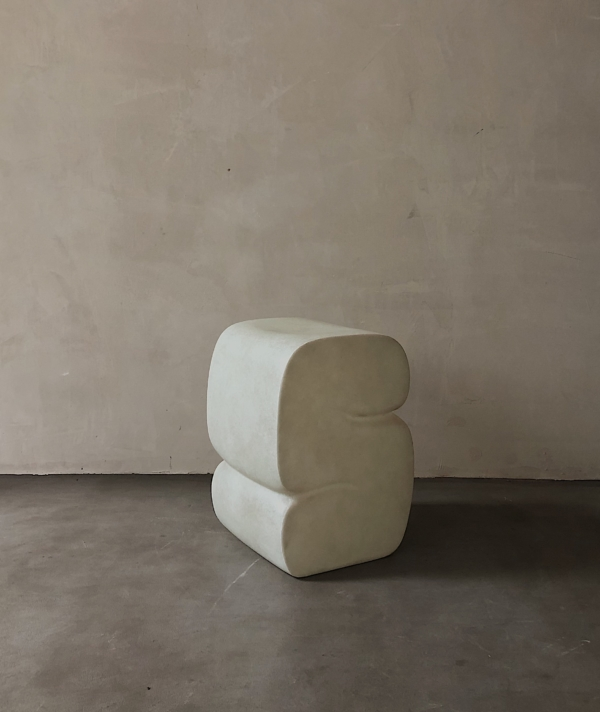CURL-UP STOOL