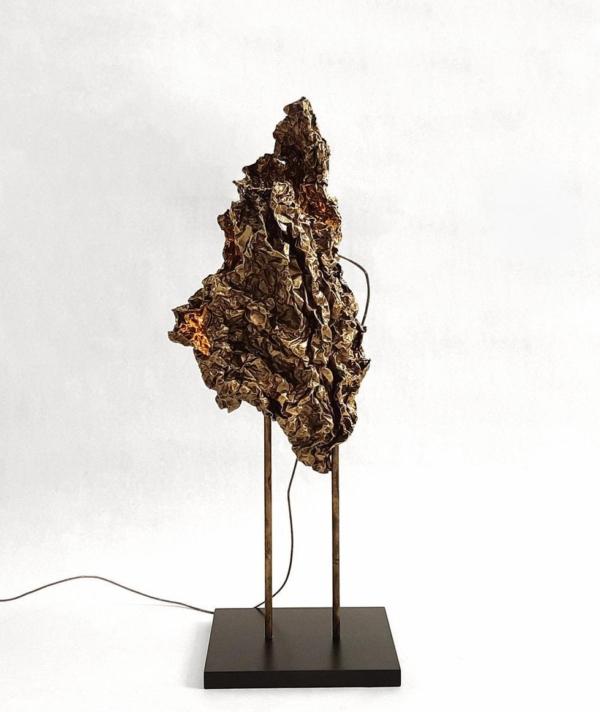 CRUSHED SCULPTURAL TABLE LAMP